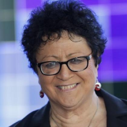 Maureen HILYARD